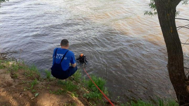 В Татарстане водолазы ищут пропавшую возле реки женщину